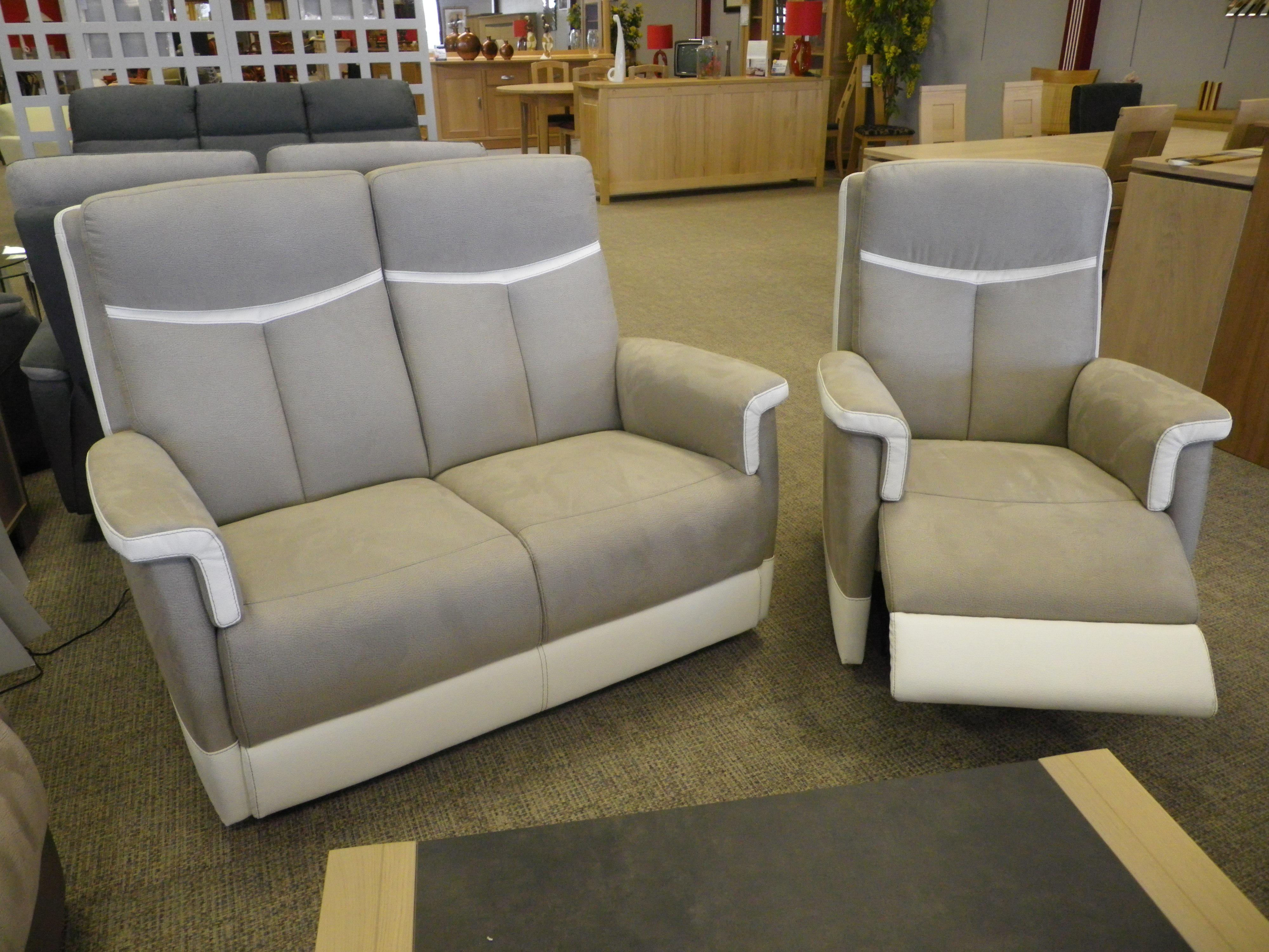 magasin meuble laval 53 great magasin de meubles with magasin meuble laval 53 good meubles. Black Bedroom Furniture Sets. Home Design Ideas